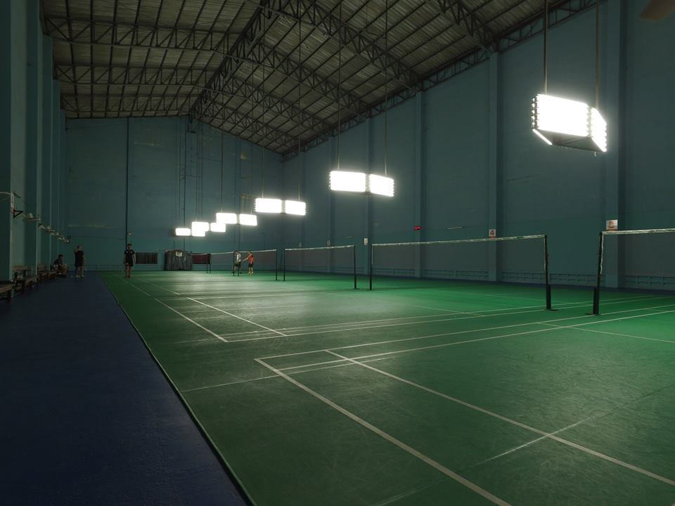 สนามแบดมินตันพิริยะ Biriya Badminton
