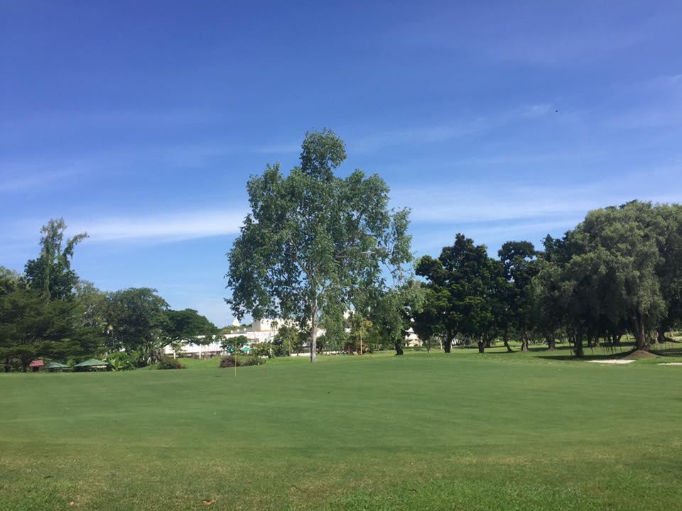 AIT Golf Club & The Park Restaurant (เอไอที กอล์ฟ คลับ)