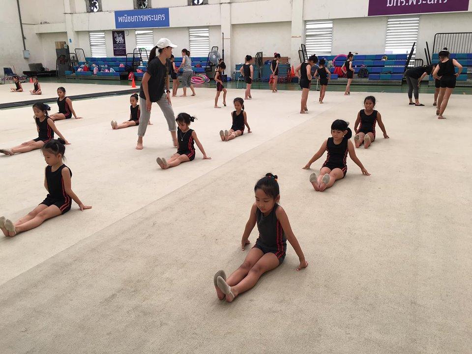 ชมรมยิมนาสติกลีลาสิงห์ Singha Rhythmic Gymnastics Club
